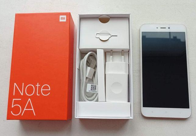 Смартфон Xiaomi Redmi Note 5A Gold.