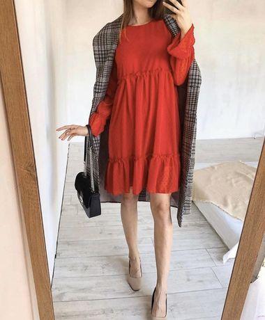 Плаття червоного кольору
