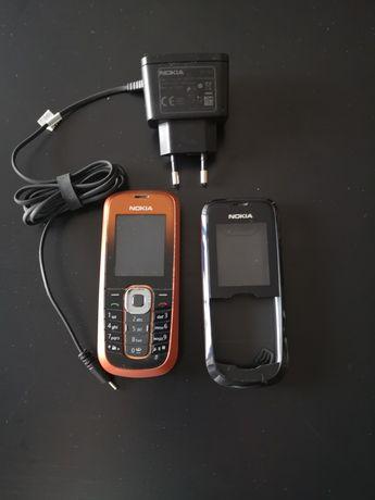 Telemóvel Nokia preto e laranja