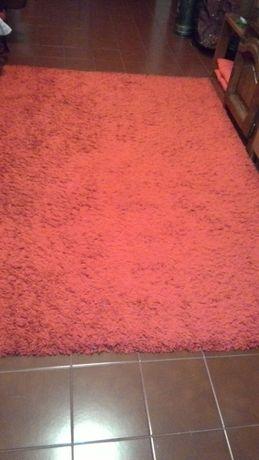 carpete vermelha em pelo