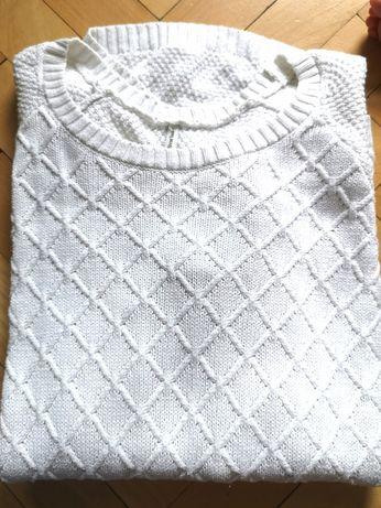 Śliczny sweter biały/kremowy Stradivarius L/40