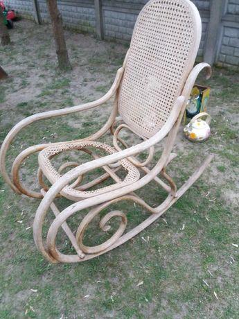 Stary fotel  krzesło do bujania  z czasów PRL do renowacji