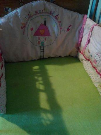 Бампер защита в кроватку mothercare
