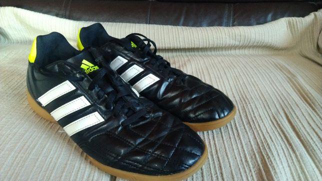 Sapatilhas Adidas - Futebol de Salão
