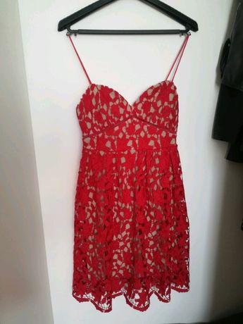 sukienka z gipiury