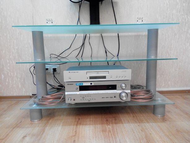 Стеклянный стол-тумба для телевизора и аудио видео техники