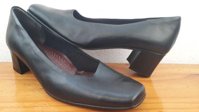 Sapatos Semi novos e Novos