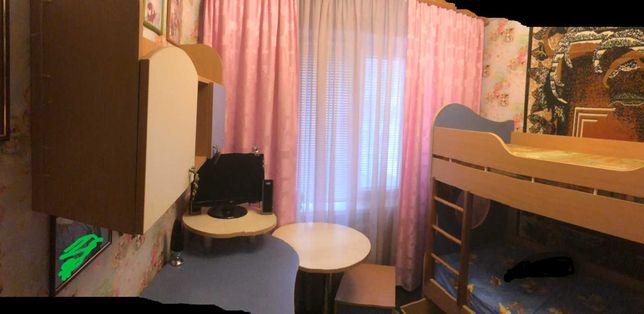 Мебель в детскую (двухъярусная кровать, стол, тумба, полка, шкаф)