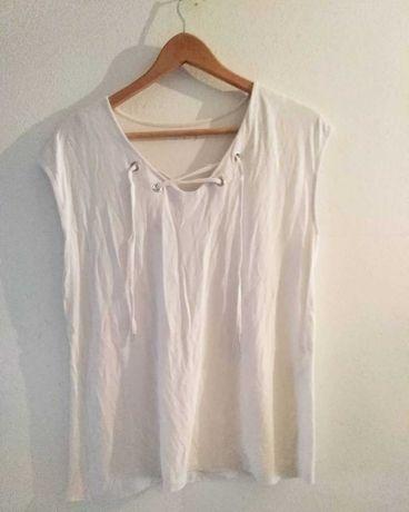 T-shirt em branco