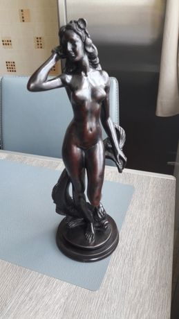 Продам статуэтку из камня.