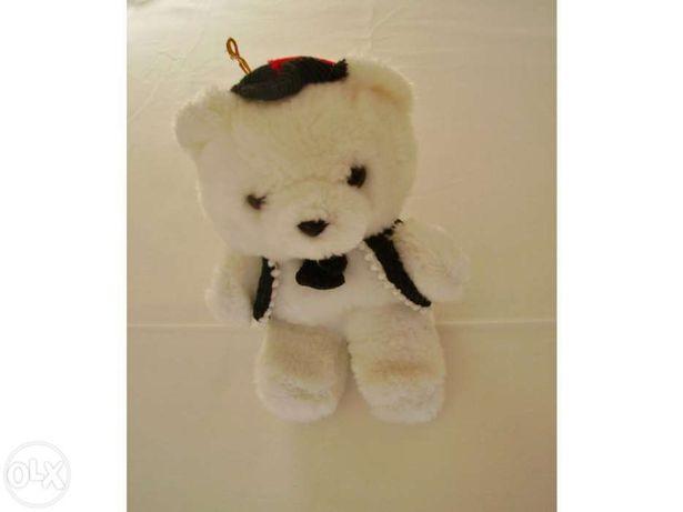 Urso de Peluche branco c/colete e laço,bonito!
