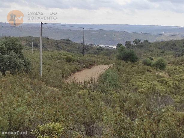 Terreno Rustico Com 8.040 M2 - Bons Acessos - Vista Rio -...
