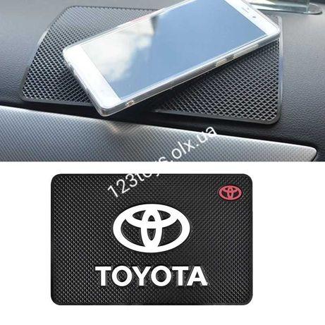 Toyota Качественный Коврик на торпедо антискользящий силиконовый
