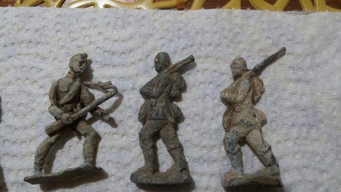 Stare ołowiane żołnierzyki Kamieńsk - image 1