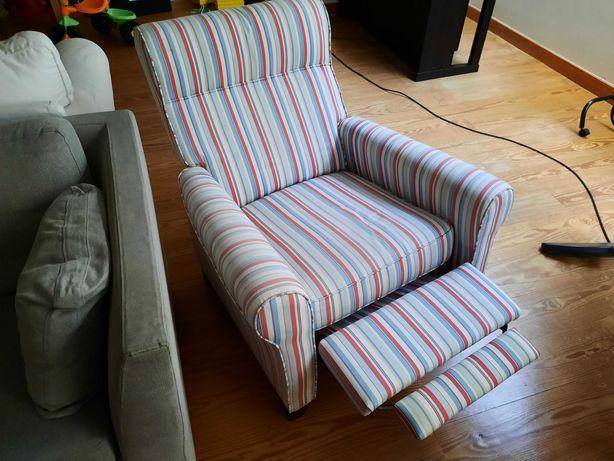Poltrona reclinável EKTORP IKEA (personalizada)