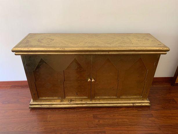Aparador e mesa de apoio vintage em dourado