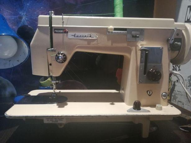 Maszyna do szycia Łucznik 432
