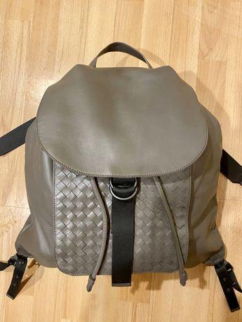 Продам оригинальный кожаный рюкзак Bottega Veneta made in italy