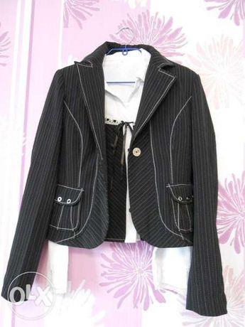 Женский костюм для девушки 42-44 размера