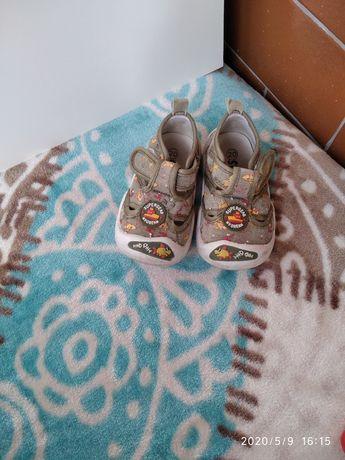 Продам тапочки для малышей