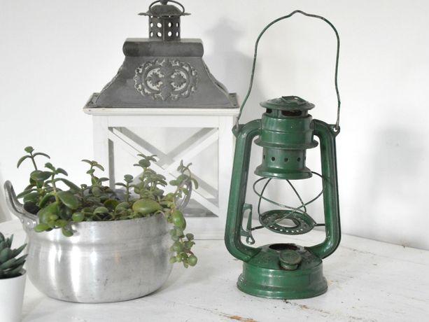 Stara oryginalna lampa naftowa