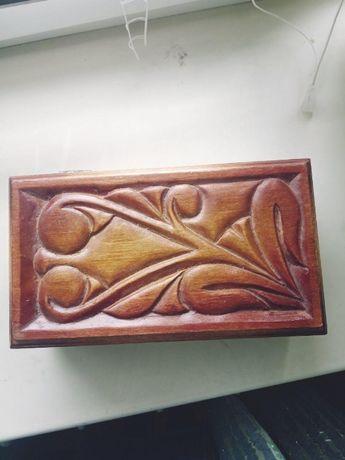 новая деревянная шкатулка