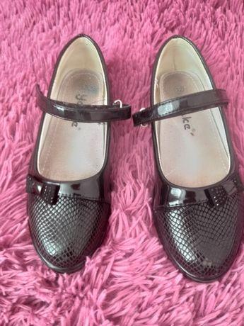 Продам туфли 32 размер