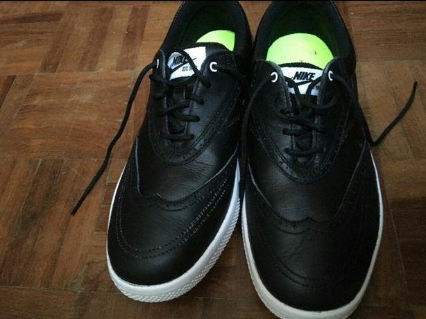 Ténis Nike Preto