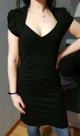 Sukienka czarna dopasowana