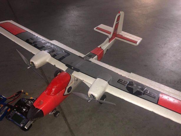 Samolot rc twinstar elektryk caly zestaw do lotu