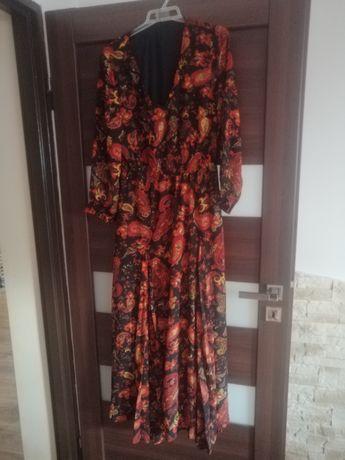 Sukienka długa we wzory