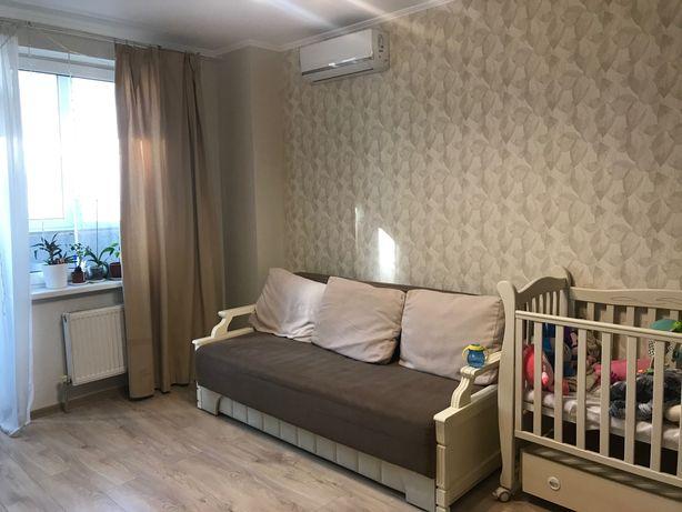 Продам 1-комнатную квартиру Ж/М Радужный 43,5 кв + 6 кВ лоджия