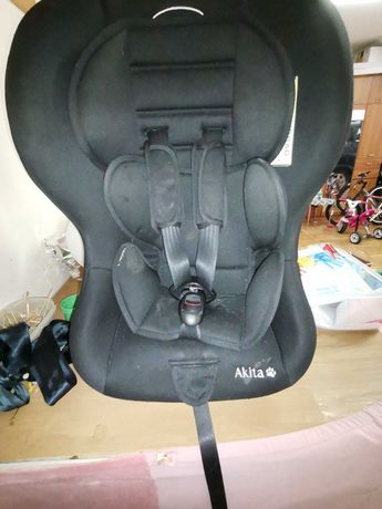 Cadeira Akita usada