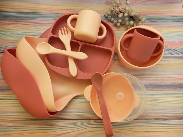 АКЦИЯ!!!Детская силиконовая посуда,слюнявчик,чашка,секционная тарелка