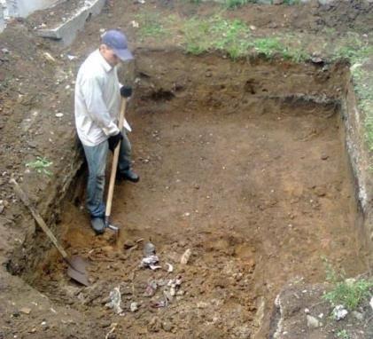 Земляные работы, копка траншей ручным способом