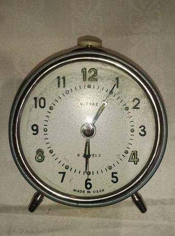 "Часы-будильник. СССР ""Витязь"" 2шт."
