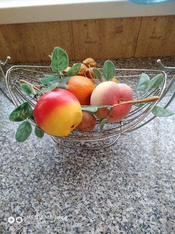 Кошик для фруктів