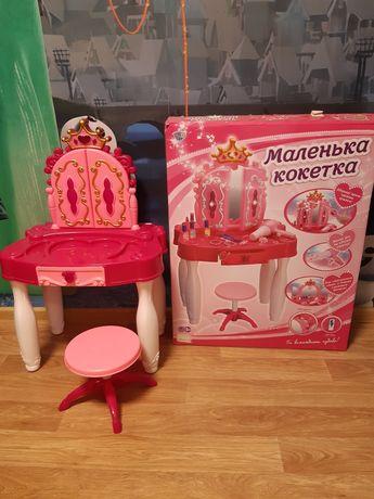 Детский косметический столик