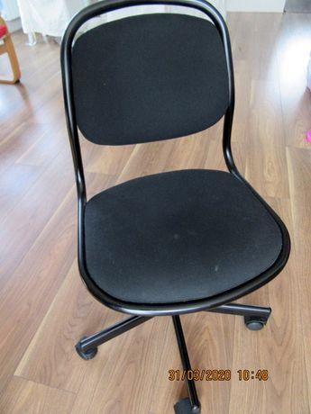 obrotowe krzesło do biurka dla dziecka ikea