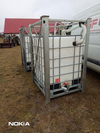 Zbiorniki 1200 litrów w nierdzewnych ramach