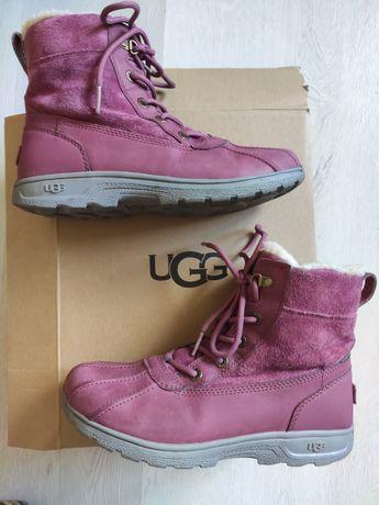 Ботинки UGG р.35