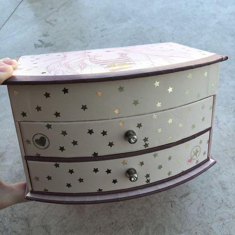 Szkatułka na biżuterię kosmetyczka kufer