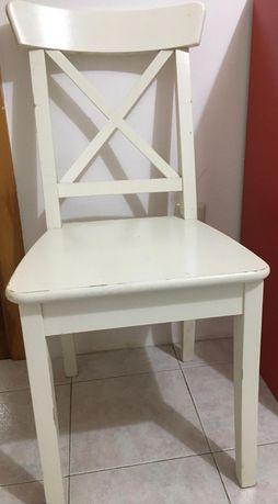 Cadeira Branca Madeira 35€