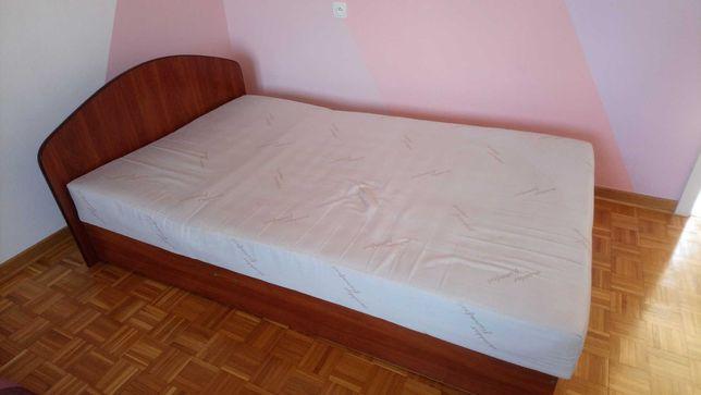 Sprzedam używane łóżko
