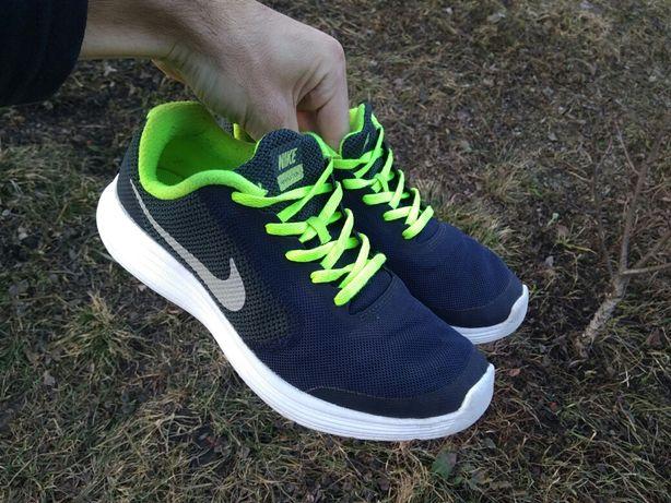 Кросівки nike revolution Розмір 40 (25см)