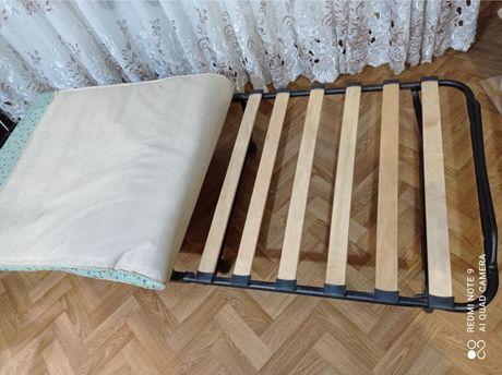Кровать раскладная, раскладушка на колесиках