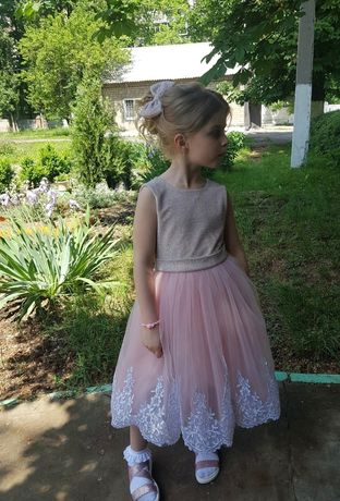 Платье нарядное  122 - 128