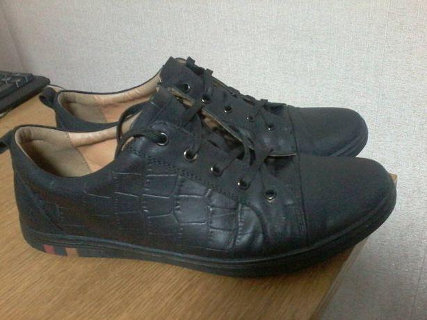 Туфли кроссовки мужские подростковые р.40