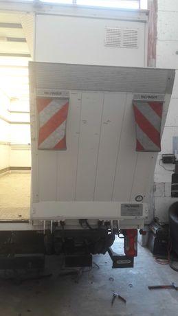Winda Palfinger 750 kg do Iveco Daily.