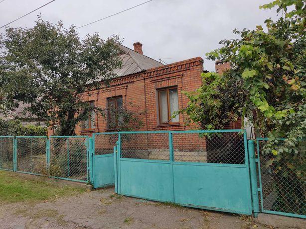 Продам дом на Всебратском с большим зем. участком 12 соток от хозяина